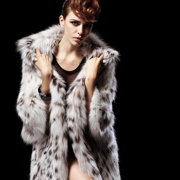 镇店之宝 极品北美罕见白色野山猫蝙蝠袖长款简金秋奢华皮草外套