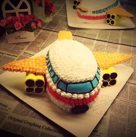 卡通飞机蛋糕