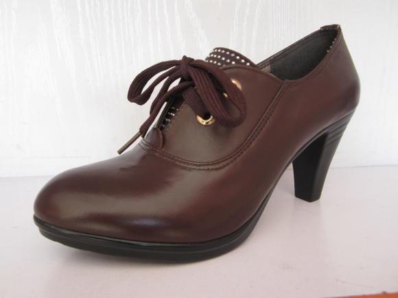 正品青岛孚德金孚皮鞋3801纯皮水钻中跟系带爆版时尚女鞋真皮女鞋
