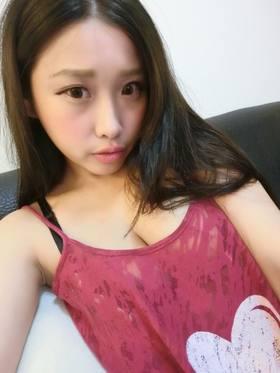 丰满表情包_4--34d奶丰满上围辣妹hsuan hsuan 遭好姐妹袭胸表情却很享受 [26p]