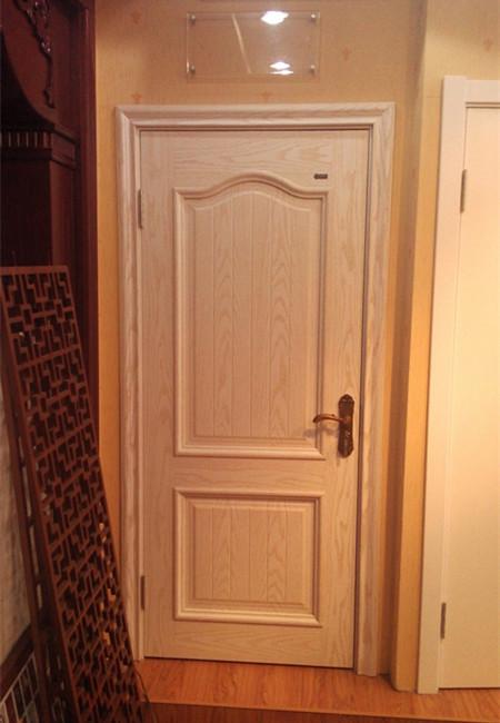 华林木门--白色木纹实木复合门