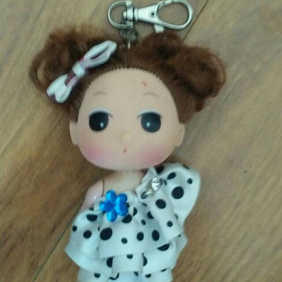 热门商品          可爱娃娃挂饰       手机启动微信 扫一扫购买