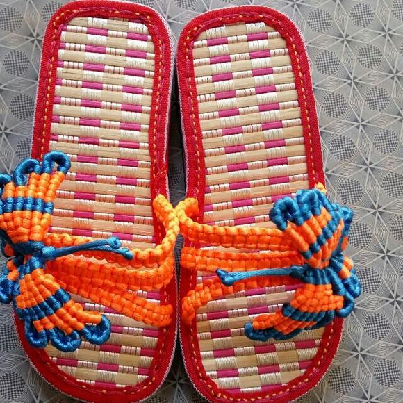 残疾人的全手工编制鞋