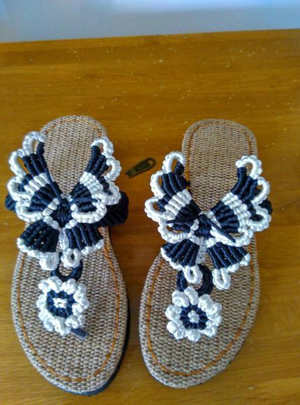 手编鞋:夹脚蝴蝶拖鞋