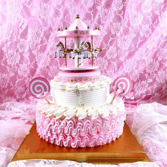 旋转木马宝贝周岁百天动物奶油蛋糕