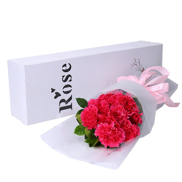12枝红色康乃馨 栀子叶礼盒(白色雾纸包装)(tyj72)