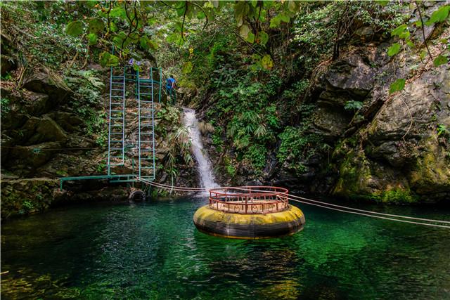 笔架山旅游风景区位于清新区笔架山林场腹地,亦称公园,笔架山森林,是