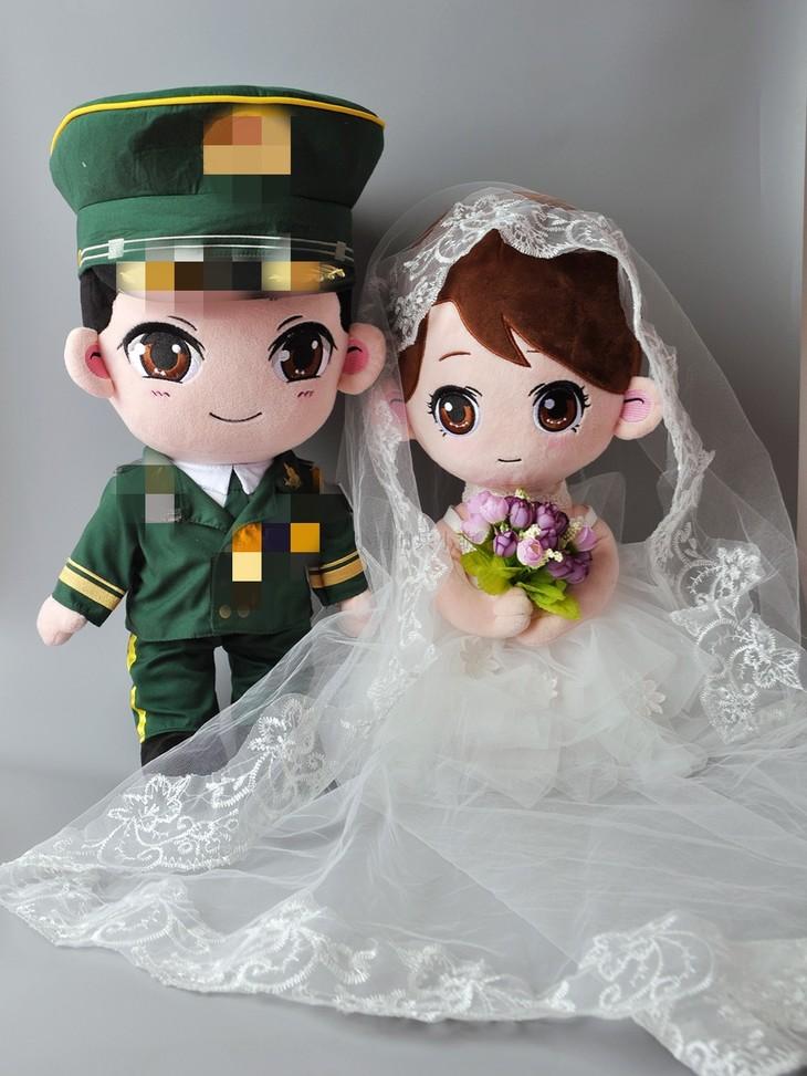 曾小萌出品 军恋军婚公仔 娃娃男版和女版都是50cm 可单买,可套装