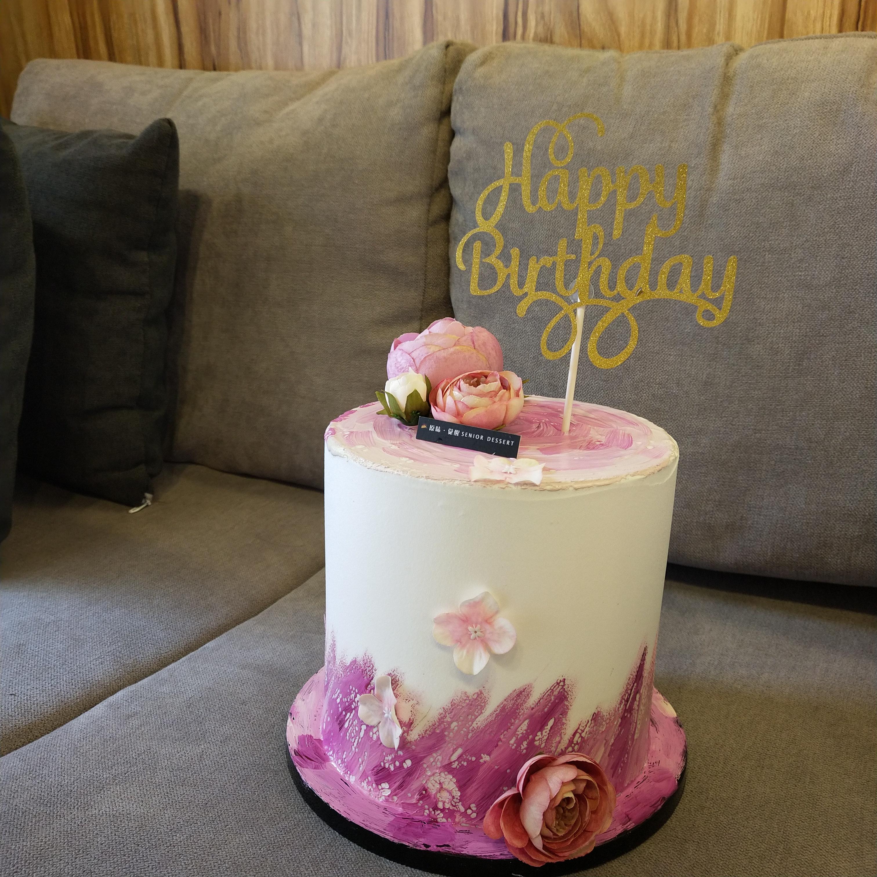 定制各类裱花蛋糕,鲜花蛋糕,韩式蛋糕,手绘蛋糕,水果蛋糕,流行风蛋糕