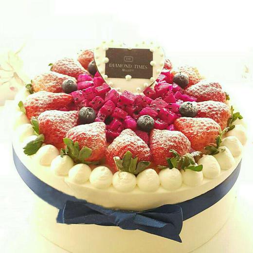 蜂迷蝶恋 | 草莓鲜果蛋糕 商品图0