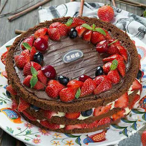 情迷黑森林 | 巧克力草莓裸蛋糕 商品图0