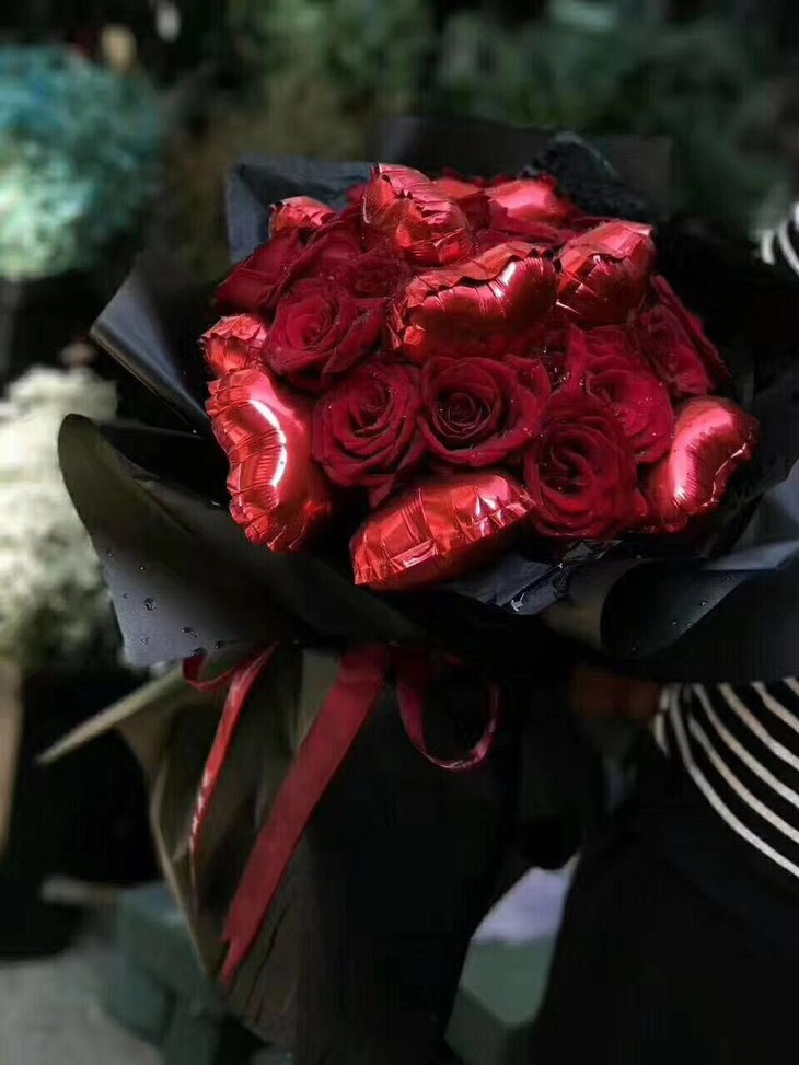 520专辑 告白气球玫瑰花束