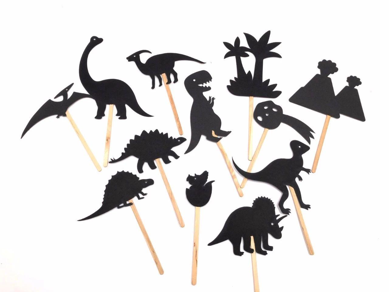 每次停电点蜡烛的时候,都是用手比划小动物投影在墙上,只会几个手势都