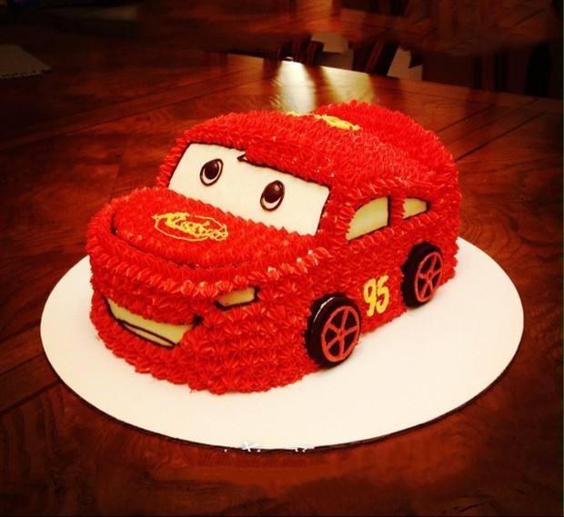 红色小可爱汽车蛋糕