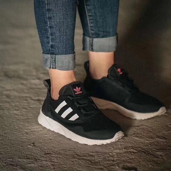 adidas/三叶草 zx flux 休闲 运动女跑步鞋 cg4090,黑粉的配色更好看