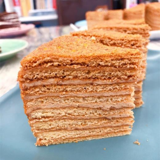 【进口版】俄罗斯进口版提拉米苏双山系列GKK蜂蜜奶油味多层蛋糕每个500g每个两种口味 商品图3