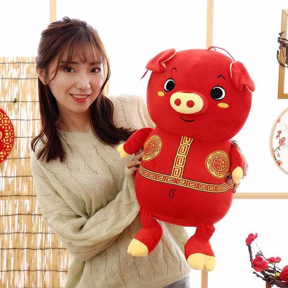 马甲的猪_福运马甲吉祥猪毛绒玩具猪公仔猪年红色吉祥物公司礼品定