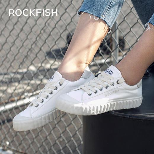 不怕水的英国 Rockfish 小白鞋!梅根王妃怀孕都穿,防雨防污,显腿长! 商品图1