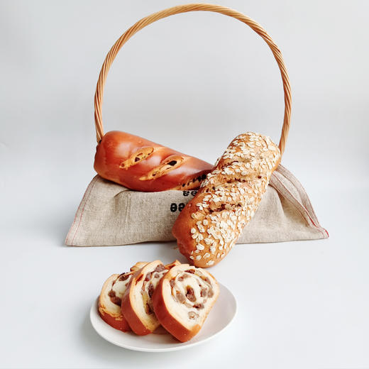 新疆俄罗斯风味列巴 面包早餐 果仁黑麦两种口味 365克*2 商品图5