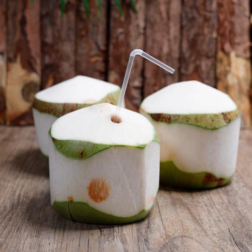 海南椰青 椰汁清甜 果肉Q弹 回味芳香 产地现摘新鲜直达 4个装/9个装 商品图0