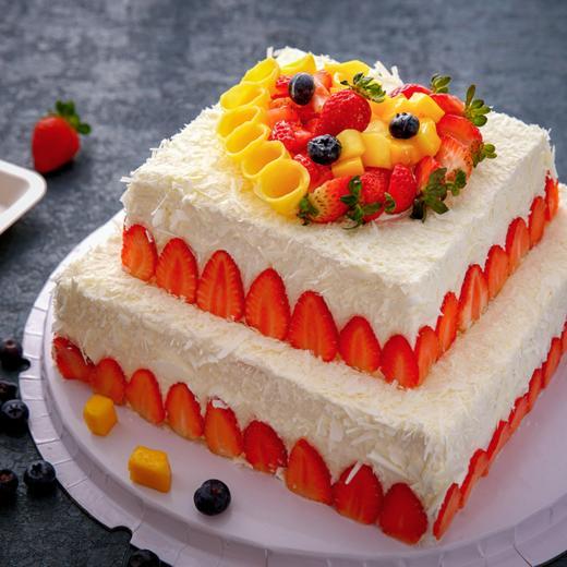 草莓雪沙·双层鲜果蛋糕 商品图0