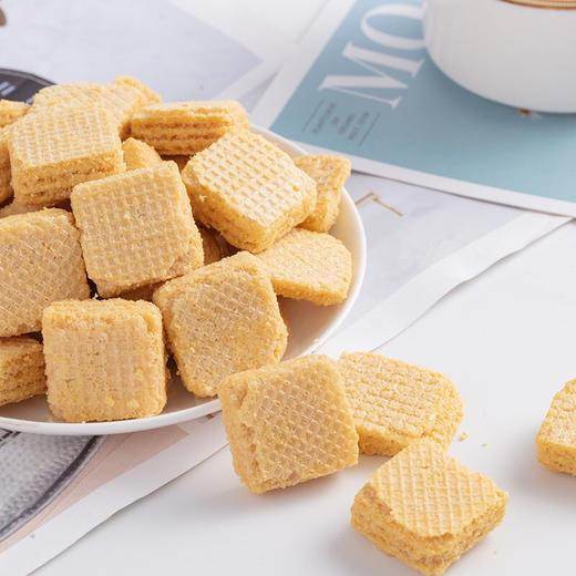【半岛商城】MarLour万宝路豆乳威化饼干 桶装350g*2罐装 网红爆款 商品图2