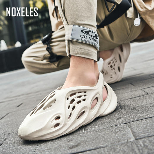 【拖鞋+凉鞋+跑鞋】黑科技潮流洞洞机能鞋,前卫设计,时尚达人常备,全橡塑一体注塑成型,柔软不断跟,透气好,易清洗!逛街、上班都能穿! 商品图2
