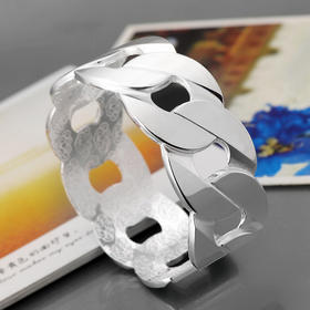 宽大欧美时尚手环首饰 纯银手镯S999 女款 足银S999(XYZB)