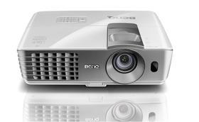 BenQ明基W1070+投影仪1080P全高清3D家用投影机家庭影院 无屏电视