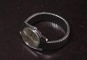 21号商品:二手上海牌老手表
