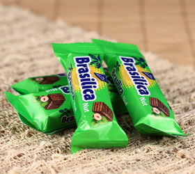 【满39元全国包邮】乌克兰进口孔季榛子味威化饼干巧克力500g