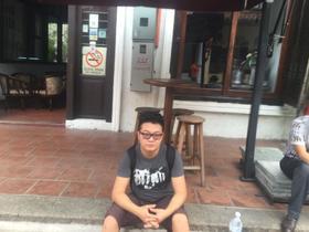 华人留学生在马来西亚吉隆坡为你向导