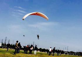 """(全年)上海滑翔伞体验+骑行,""""摆脱""""引力,带你遨游天空"""