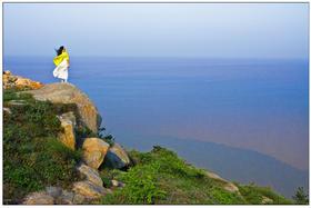 【国庆】10.2漂洋过海去小洋山岛,探访'海上小黄山',看世界第一大港( 1天)