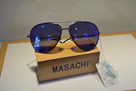 卡帝乐鳄鱼 男士太阳镜  太阳镜 驾车旅行偏光太阳镜 蛤蟆镜 深蓝色镜片