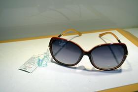 卡帝乐鳄鱼 女士太阳镜 墨镜女士 太阳镜 驾车旅行偏光太阳镜 蛤蟆镜 塑料黄色框深色反光镜片