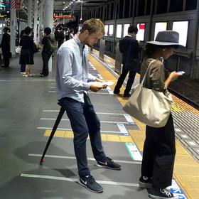 【排队神器】丹麦进口排队神器Sitpack户外地铁便携式座椅折叠凳子小 现货包邮