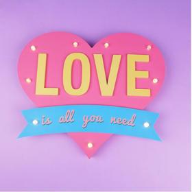 超温馨LOVE带灯墙壁挂饰