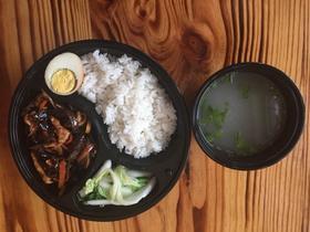 鱼香肉丝套餐饭