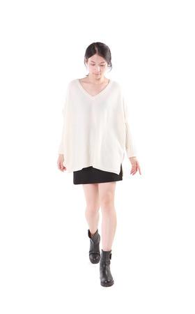 羊绒100% - 女V领长袖披风 - L019