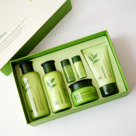 韩国 悦诗风吟 济州岛绿茶平衡清爽保湿四件套套盒