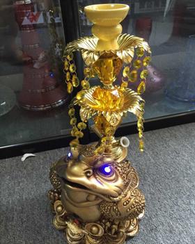 黄金蟾水烟壶