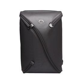UNO 全球首款一体成型可自定义收纳功能的背包