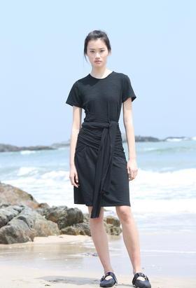 设计师绑带竹节纹肌理感针织极简现代设计感舒适连衣裙