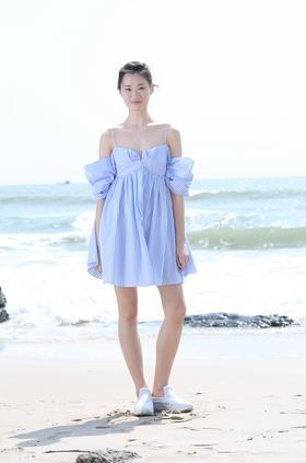 SYUSYUHAN立体剪裁纯棉蝴蝶结造型连衣裙度假条纹