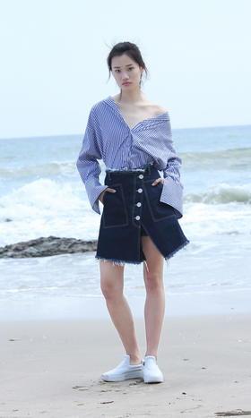 SYU HAN原创设计 不规则斜摆洗水做旧毛边粗线牛仔A摆层次半裙