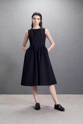 设计师立体造型复合面料挺括收腰大摆秋冬背心连衣裙