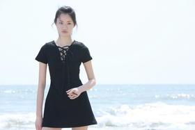 SYU HAN原创设计 洗水做旧高弹力合身显瘦纯棉牛仔深V绑带连衣裙