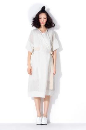 设计师款定制高端麻肌理面料 大气阔型透气腰带连衣裙