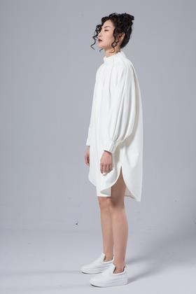 SYU HAN原创设计 褶皱细节之美腰带宽松大气随性连衣裙打底裙